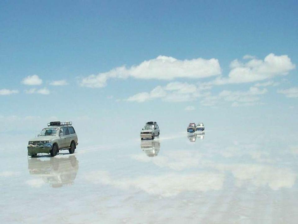 Geleneksel Tuz çıkarma yöntemi küçük tepeler halinde ki tuz yığınlarının güneşte kurumaya bırakılması şeklindedir.