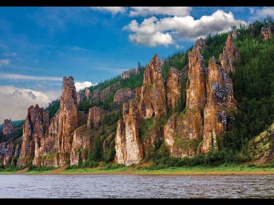 Rusya'nın çarpıcı kaya olu ş umları, gizli güzellik,,, uzak kırsal kesimde Nehri Lena kıyısında Arctic Circle'a sadece 300 kilometre. Do ğ aya ait mük