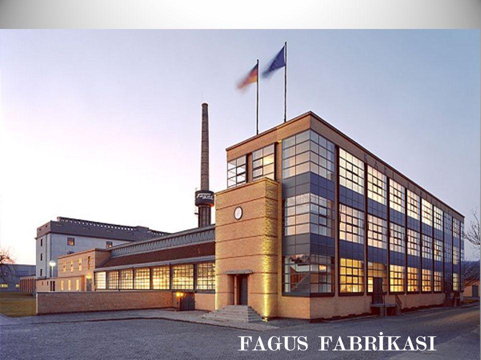 1911 de Adolf Meyer ile birlikte Erken modern mimari örneklerinden Behrens'in etkilerini tasır.