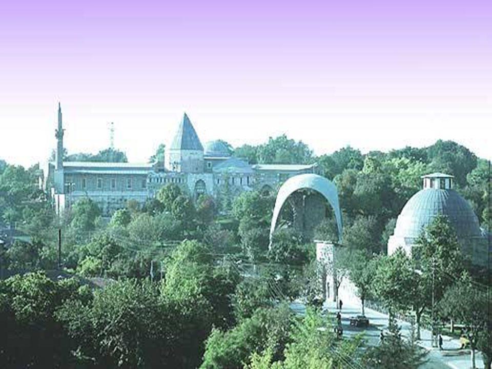Müze alanı bahçesi ile birlikte 6.500 m² iken, yeri istimlak edilerek Gül Bahçesi olarak düzenlenen bölümlerle birlikte 18.000 m²ye ulaşmıştır.