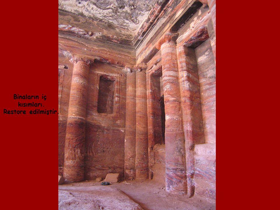 Indiana Jones ve Son Haçlılar Filmlerinin final Sahneleri Petra da çekilmiştir.
