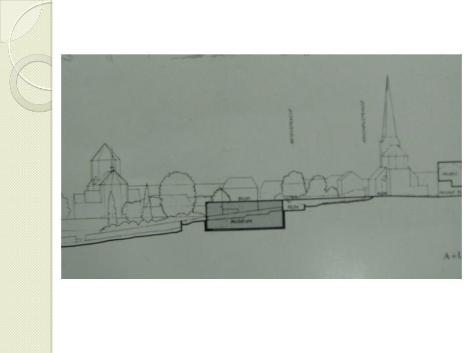 Schullin 11 Gerçek ile gerçek gibi görünen arasında ş eklinde tabir edilen eserleri Hollein'ın tasarım anlayı ş ını yansıtır.