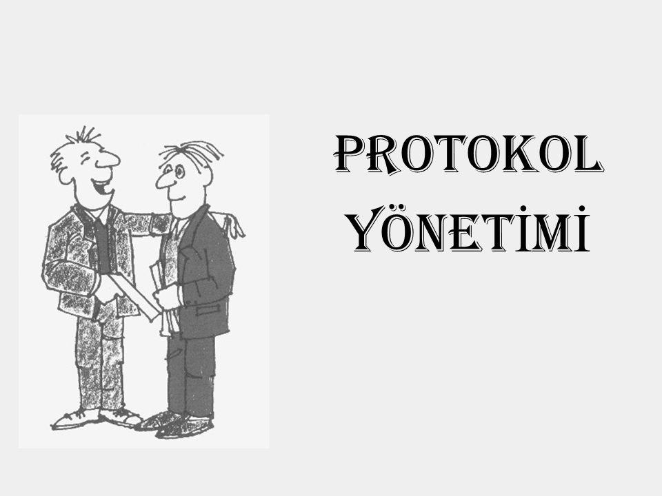 Protokolün Anlamı Protokol / Fransızca protocole Resmi ilişkilerde ve törenlerde önde gelme hakkı ve törensel davranış konusunda uyulması gereken kurallar bütünü (Robert, 1992:706, 1555)