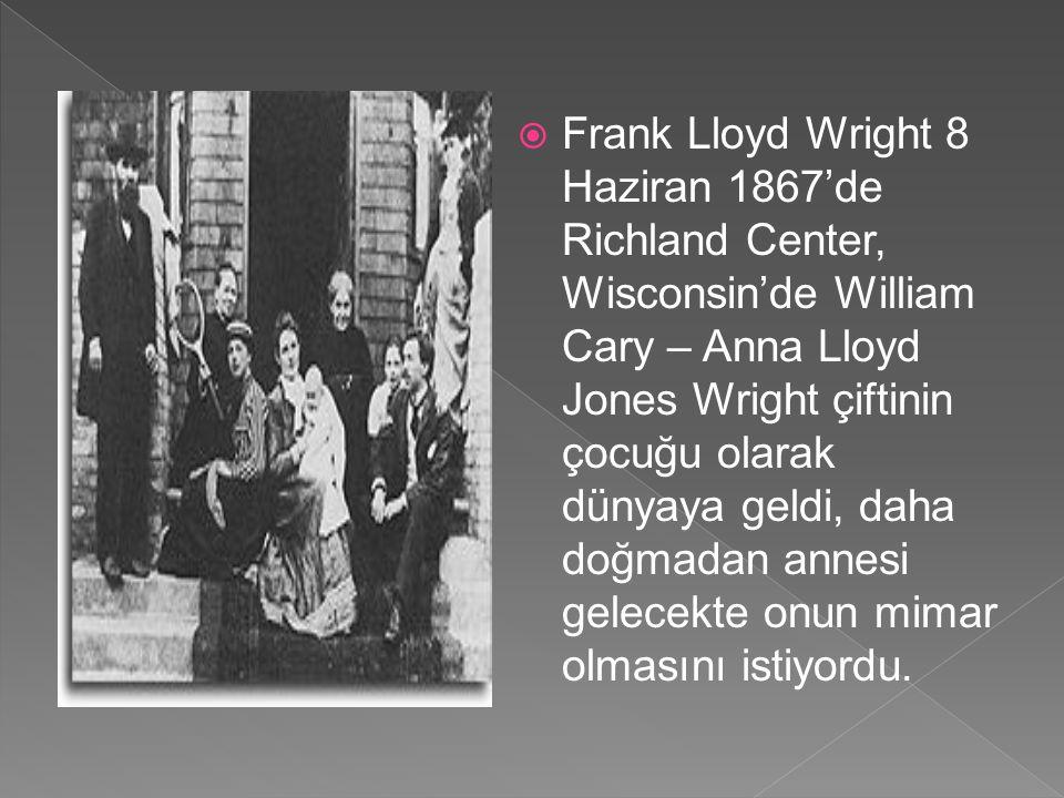  Shingıl Stil  Amerika'nın 1870-1880'li yıllarda Shingle stil adı verilen üslubu, Wright'ın mimarisinde etkili olmuştur.