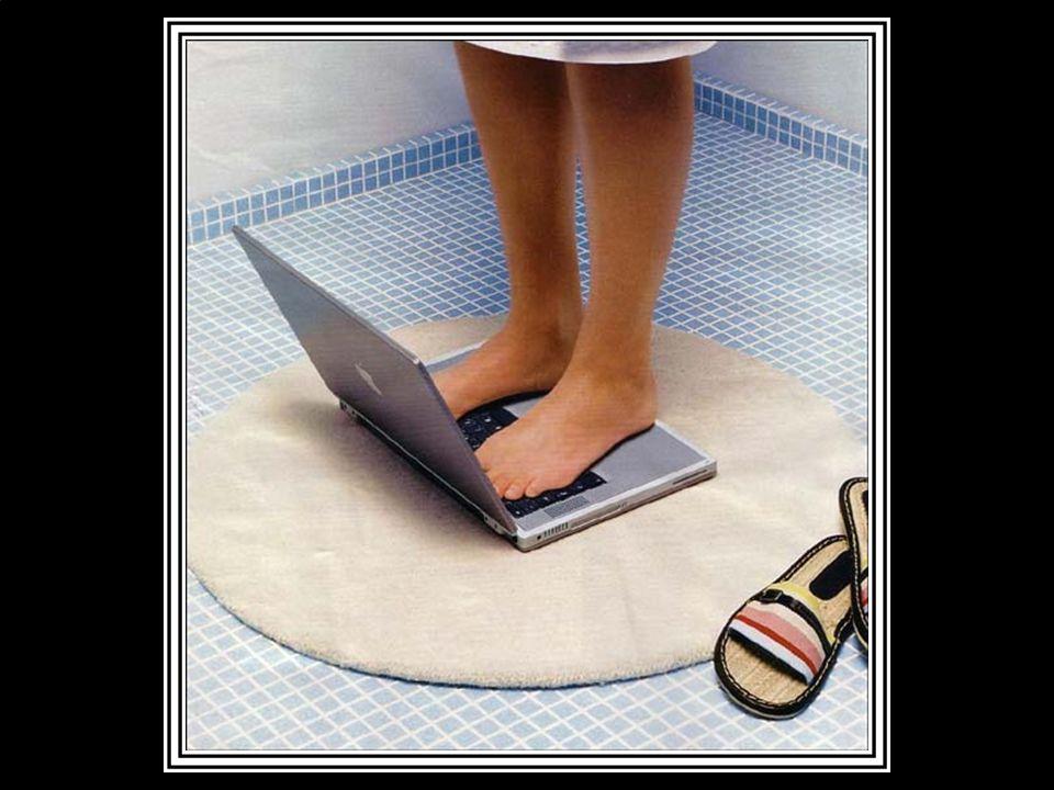 Eğer bir sarışın ile yaşıyorsan, Notebookunu sakın banyoda unutma !..