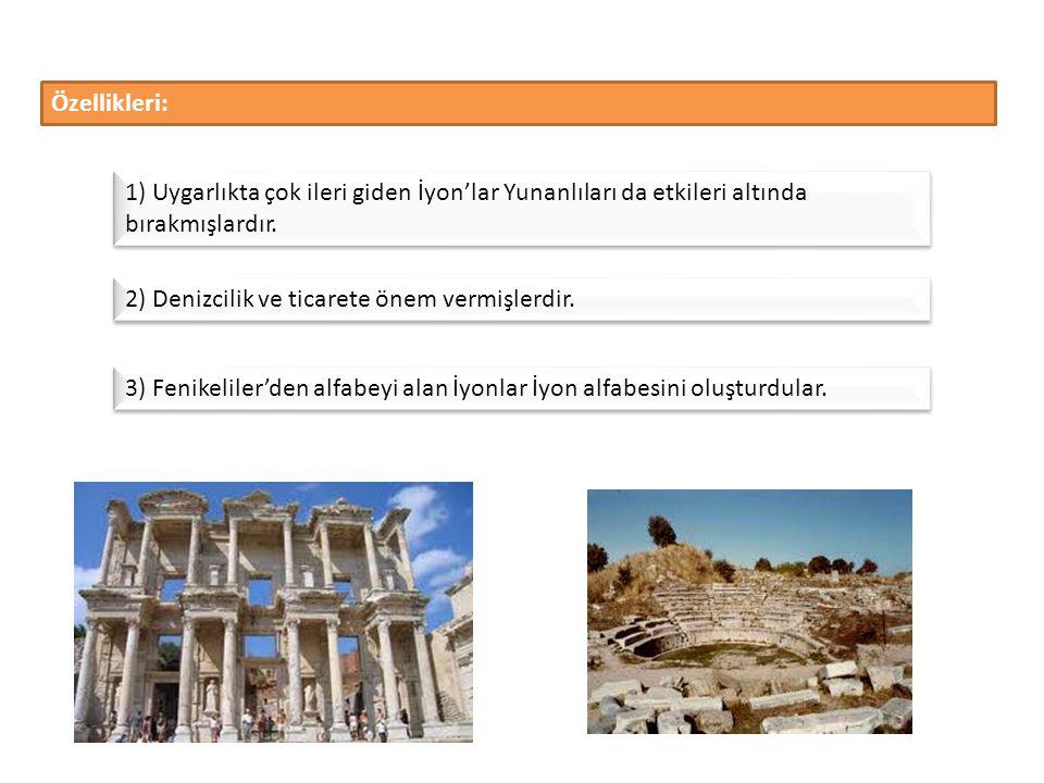 M.Ö. 1200 yıllarında Yunan Yarımadası' nın Dorlar tarafından işgal edilmesi üzerine buradan kaçan Aka'ların İzmir, Milet, Efes, Foça ve Bergama dolayl