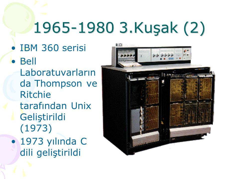 1965-1980 3.Kuşak (1) Entegre devrelerin kullanıldığı dönemdir Bildiğimiz anlamda ilk işletim sistemleri bu dönemde geliştirilmeye başlandı Multics (Multiplexed Information and Computing Service) 1965 Artık sistemler aynı anda birkaç problemi çözebiliyordu