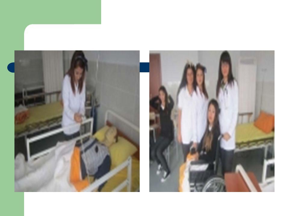 Hasta ve Yaşlı Hizmetleri alanından mezun olan öğrenciler, seçtikleri dal/meslekte kazandıkları yeterlikler doğrultusunda; 1.