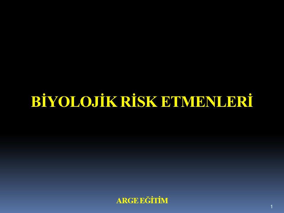 b) Eğitim 1) Biyolojik etkenlerle temasın söz konusu olduğu çalışmalara başlanmadan önce verilecek, 2) Yeni veya değişen risklere göre uyarlanacak, 3) Gerektiğinde periyodik olarak tekrarlanacaktır.