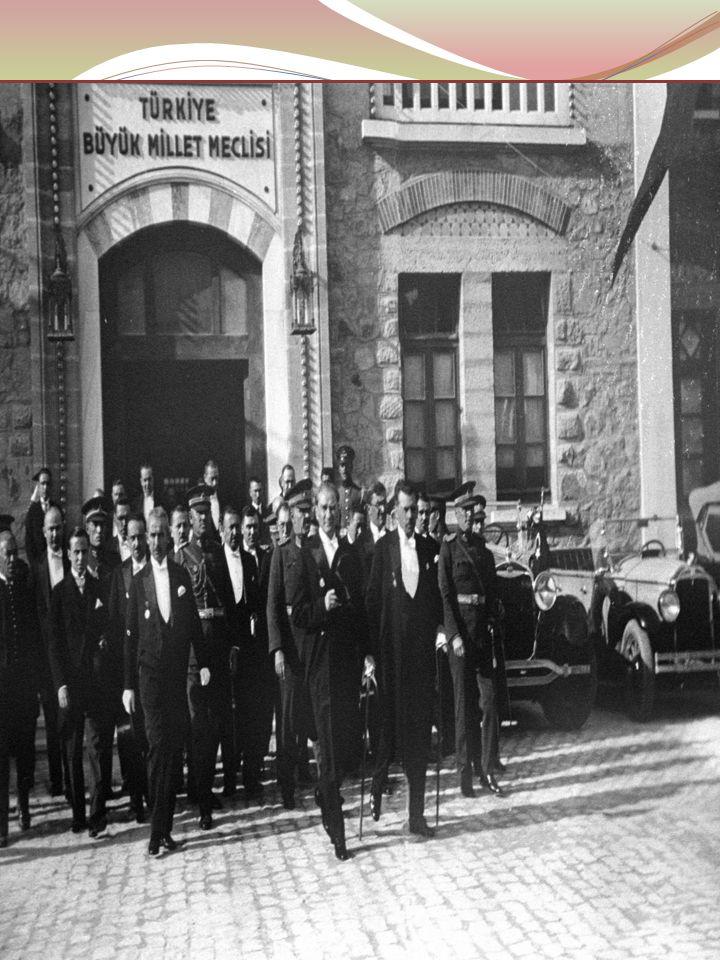 Ayten IŞILDAĞ21 29 EKİM 1923 YILINDA TÜRK ULUSU DÜNYA'YA BAĞIMSZILIĞINI İLÂN ETTİ. VE TÜRKİYE CUMHURİYETİ KURULDU.