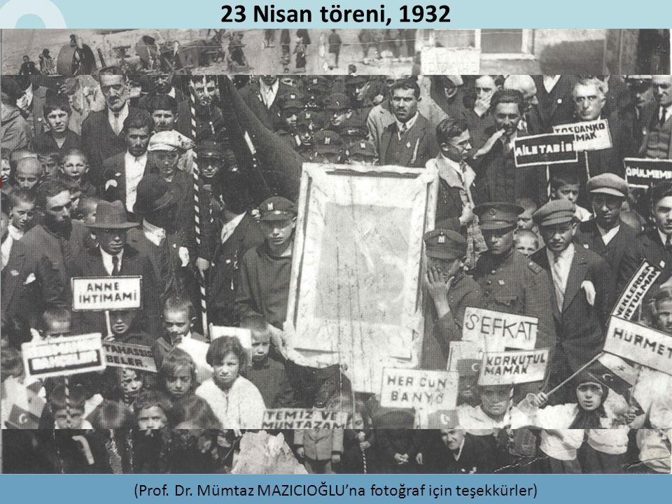 (Prof. Dr. Mümtaz MAZICIOĞLU'na fotoğraf için teşekkürler) 23 Nisan töreni, 1932