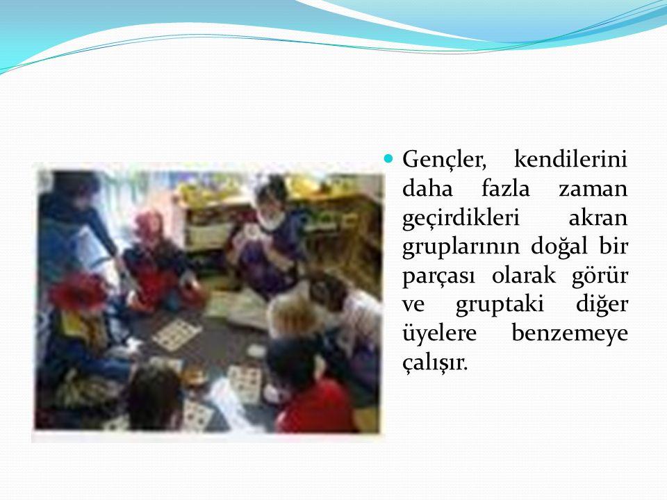 Akran baskısına uğrama düzeyi ile ve farklı okul türleri arasında da anlamlı ilişkiler görülmektedir.
