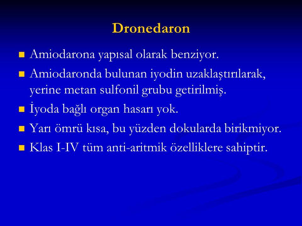 Dronedaron Amiodarona yapısal olarak benziyor. Amiodaronda bulunan iyodin uzaklaştırılarak, yerine metan sulfonil grubu getirilmiş. İyoda bağlı organ