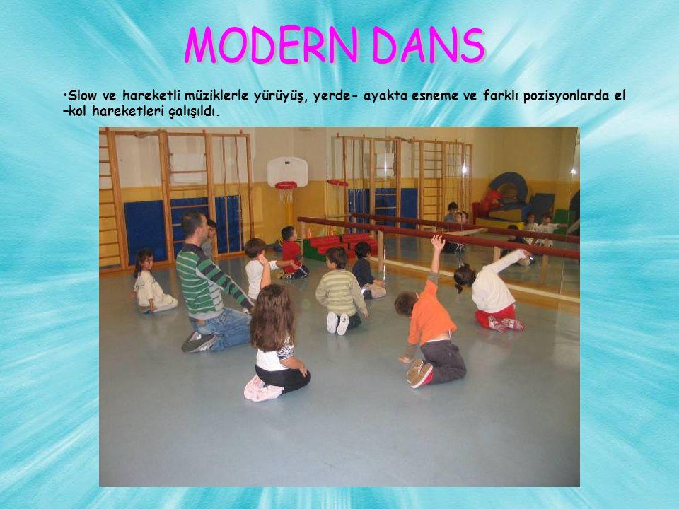 Slow ve hareketli müziklerle yürüyüş, yerde- ayakta esneme ve farklı pozisyonlarda el –kol hareketleri çalışıldı.