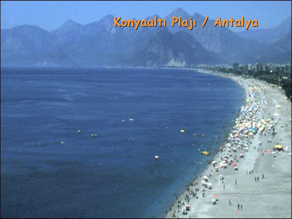 Konyaaltı Plajı / Antalya