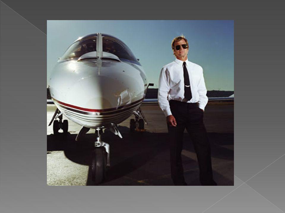  GÖREVLER  - Uçuş programında belirtilen görevin özelliğine göre gerekli hazırlıkları yapar, harita ve raporları inceleyerek uçuş planı hazırlar,  - Yakıt ve zaman hesaplamaları yapar, iniş meydanı ve yedek meydanların özelliklerini raporlardan inceler,  - Uçuştan belli bir süre önce hava meydanında bulunarak hava durumunu inceler, kısıtlayıcı faktörlere göre uçuş planını gözden geçirir ve uçuş planını ilgili birime verir.