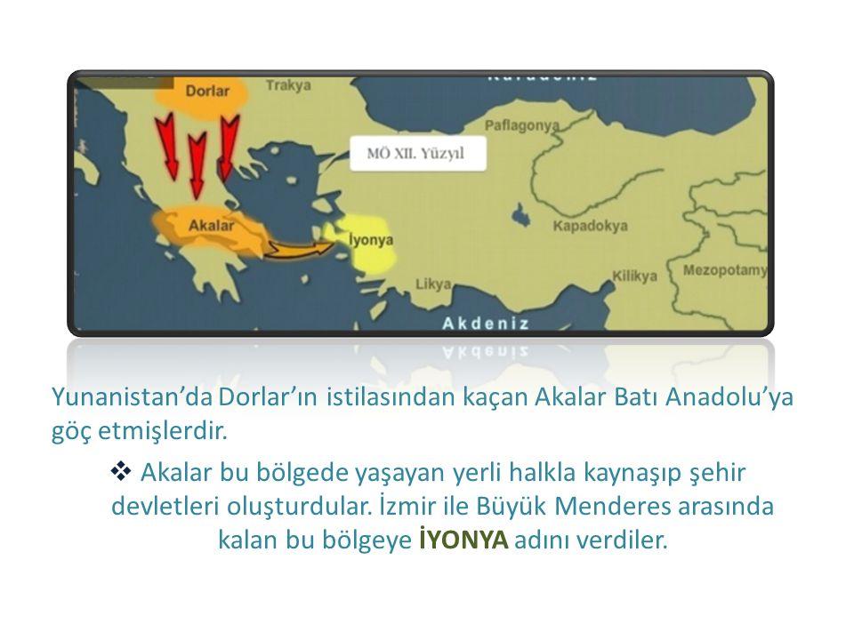 Yunanistan'da Dorlar'ın istilasından kaçan Akalar Batı Anadolu'ya göç etmişlerdir.  Akalar bu bölgede yaşayan yerli halkla kaynaşıp şehir devletleri
