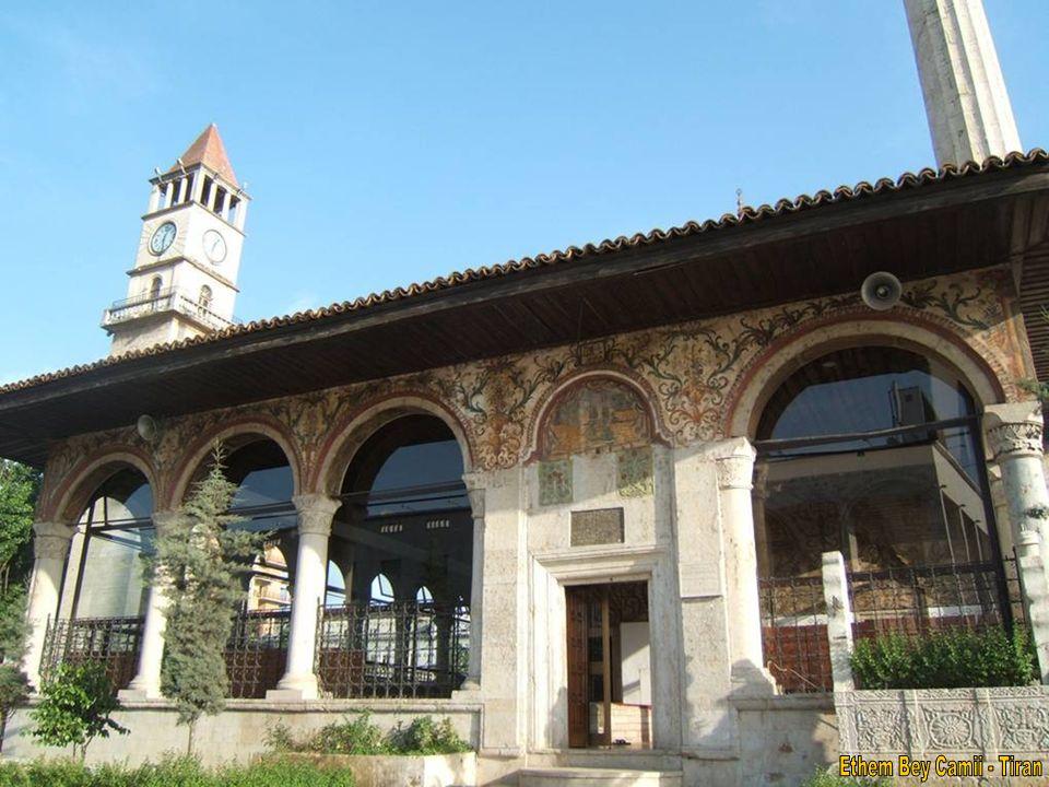 Tiran-İşkodra arası 1,5 saat.İşkodra 100 bin nüfuslu bir şehir.