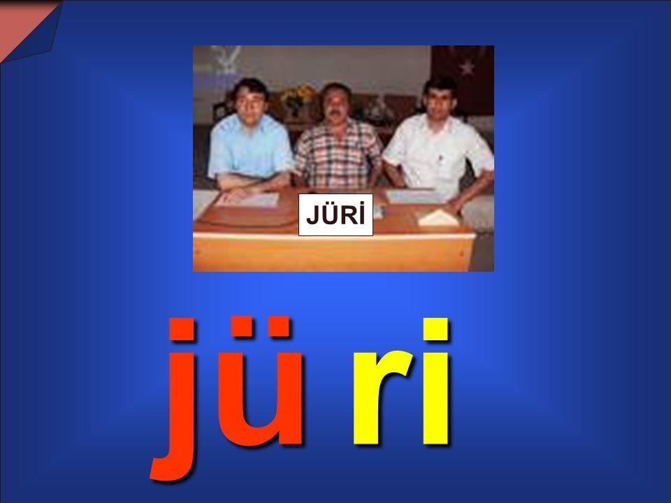 JUDO Müjde ile Nejat judo yapıyorlardı. O gün yarışma vardı.Jüri yerini aldı.