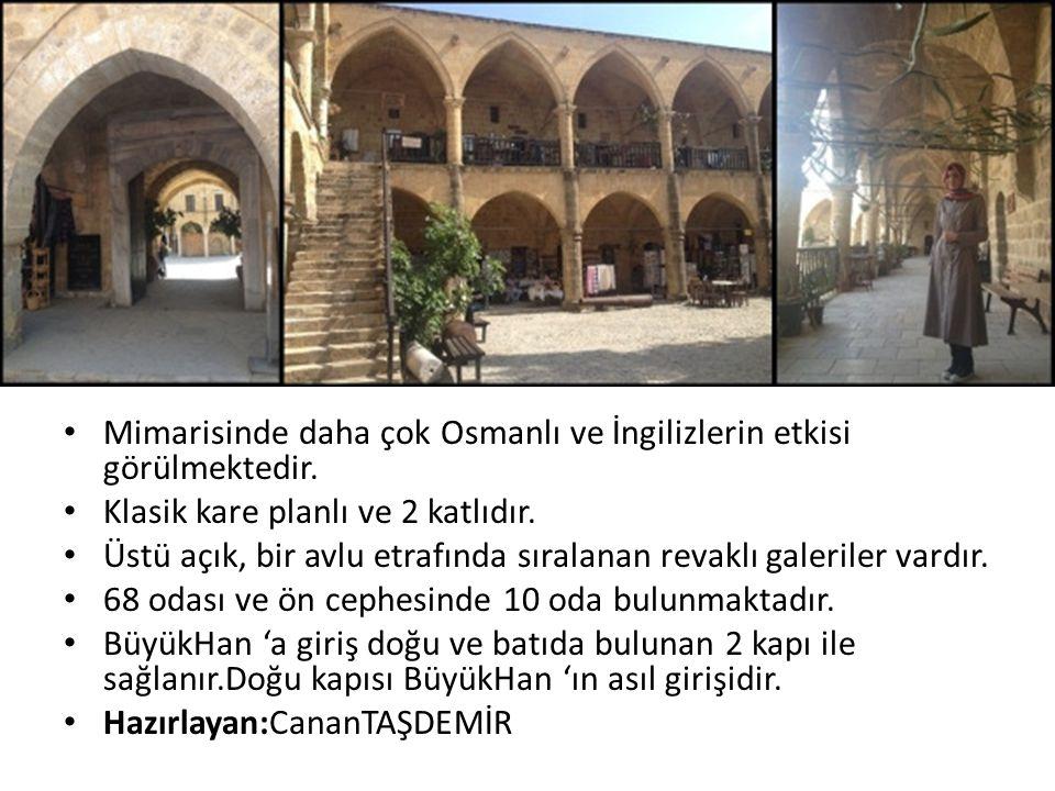 Mimarisinde daha çok Osmanlı ve İngilizlerin etkisi görülmektedir. Klasik kare planlı ve 2 katlıdır. Üstü açık, bir avlu etrafında sıralanan revaklı g
