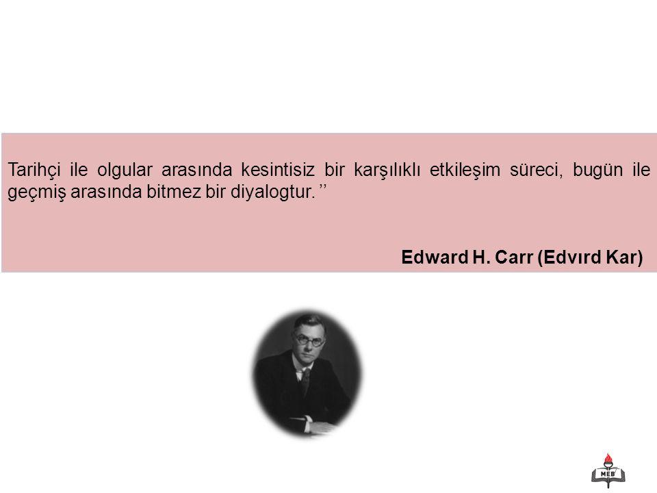 68 b) Atatürk ve Tarih Tarihin milletlerin hayatında oynadığı rolü çok iyi bilen Atatürk, 29 Ekim 1923'te Türkiye Cumhuriyeti kurulduktan sonra Türk tarihinin doğru kaynaklara dayandırılarak araştırılmasına önem verdi.