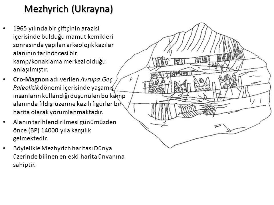 Mezhyrich (Ukrayna) 1965 yılında bir çiftçinin arazisi içerisinde bulduğu mamut kemikleri sonrasında yapılan arkeolojik kazılar alanının tarihöncesi b