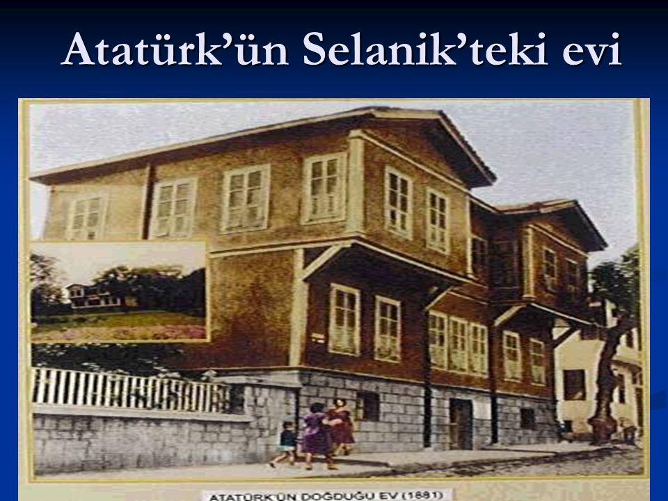 Atatürk, askeri okula gitmek istiyordu. Annesi askeri okula gitmesini istemiyordu.