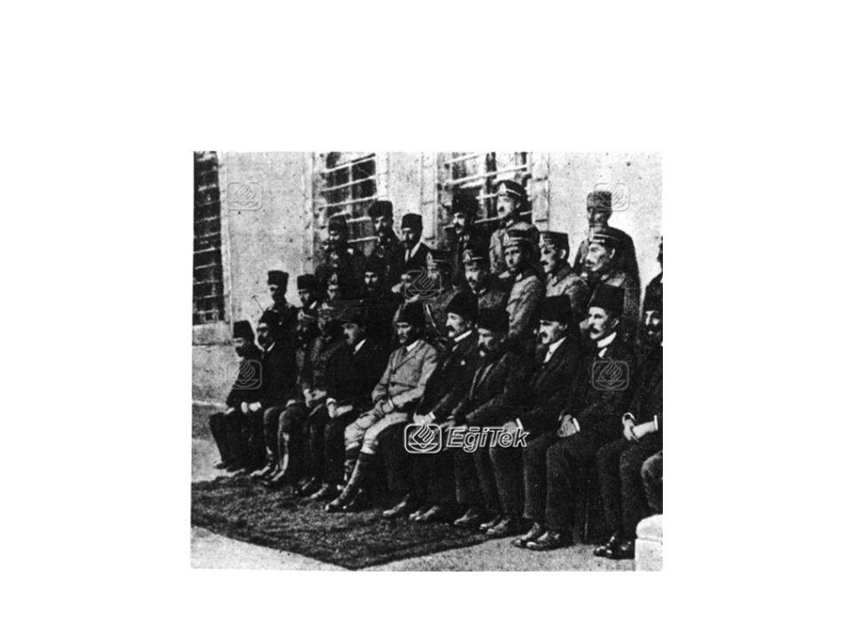 ERZURUM KONGRESİ YAPILAN BİNA Kongre, 1881 yılında Mıgırdıç Sanasaryan tarafından kurulan[5] ve Ermeni Tehcirinden sonra eğitime kapanan[6] eski İdadi Mektebi nin (Sanasaryan Mektebi[7], Sanasaryan Ermeni Kolejı[8], Sanarasyan Ermeni Lisesi[9] olarak da anılır) binasının birinci katındaki bir salonda yapıldı.[10]