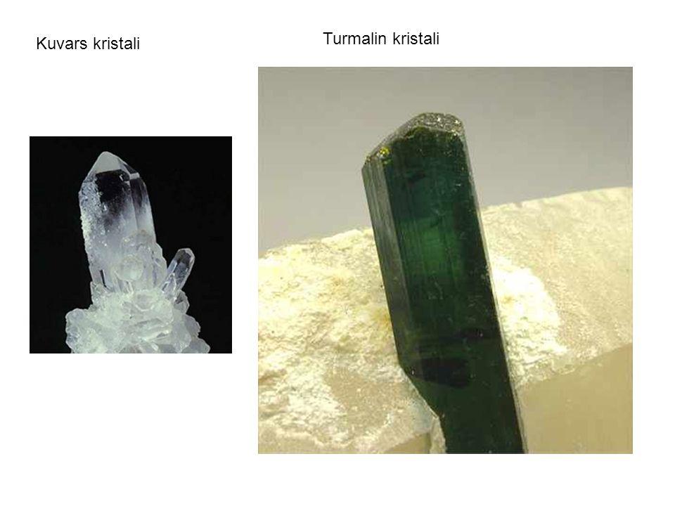 Kuvars kristali Turmalin kristali