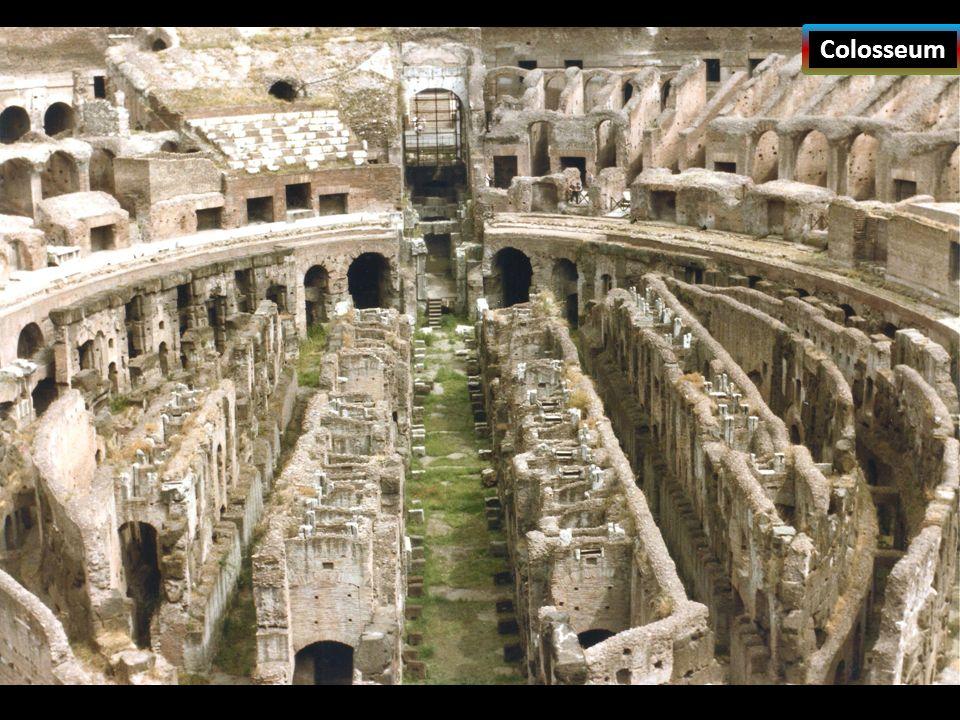 Romalılar ilk dönemlerde tarım ve hayvancılıkla uğraşmışlardır. Zamanla Akdeniz ve çevresinin Roma egemenliğine girmesi Roma'nın zenginleşmesini sağla