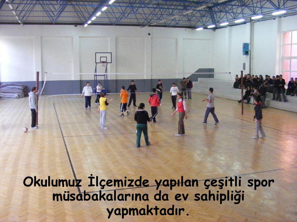Okulumuz İlçemizde yapılan çeşitli spor müsabakalarına da ev sahipliği yapmaktadır.