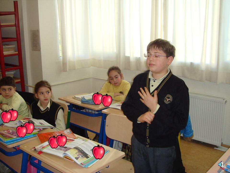 Nesibe Polatwww.bizler.gen.tr 9 elmayı 4 kişiye eşit olarak paylaştırınca her birine ne kadar elma düşer