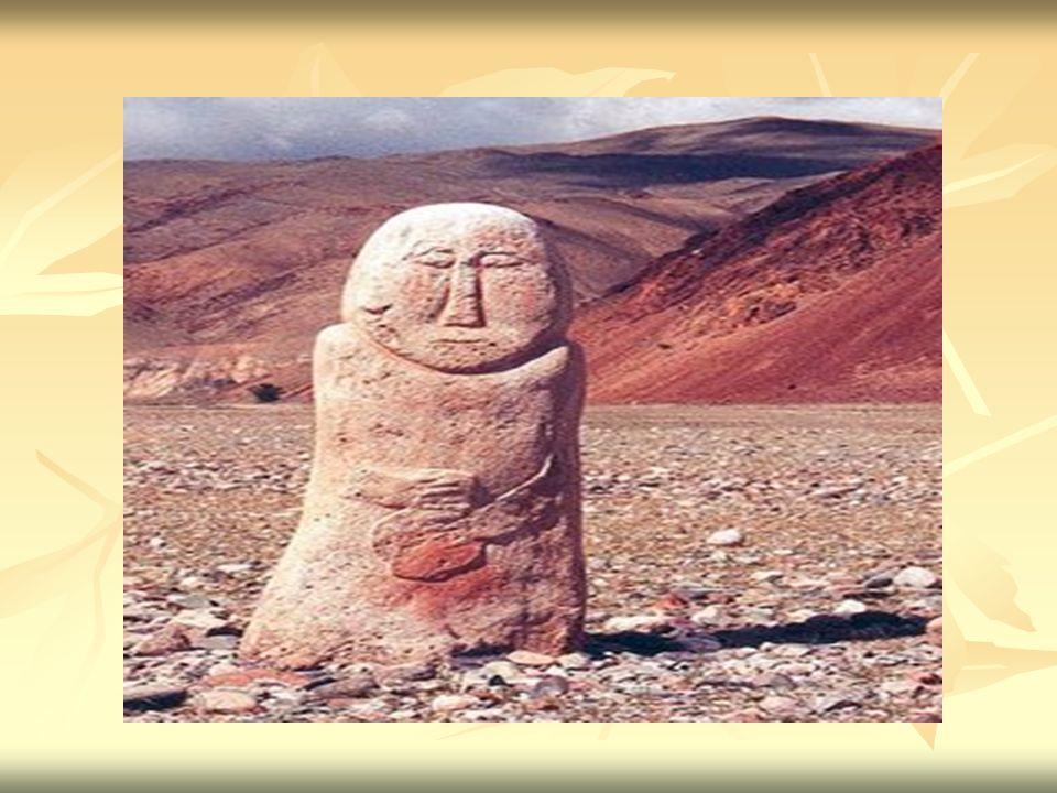 Eski Türkler, mezara (kurgan'a) kahraman ölünün hayatta iken öldürdüğü düşmanların balbal adı verilen taştan yontma tasvirleri dikerlerdi.
