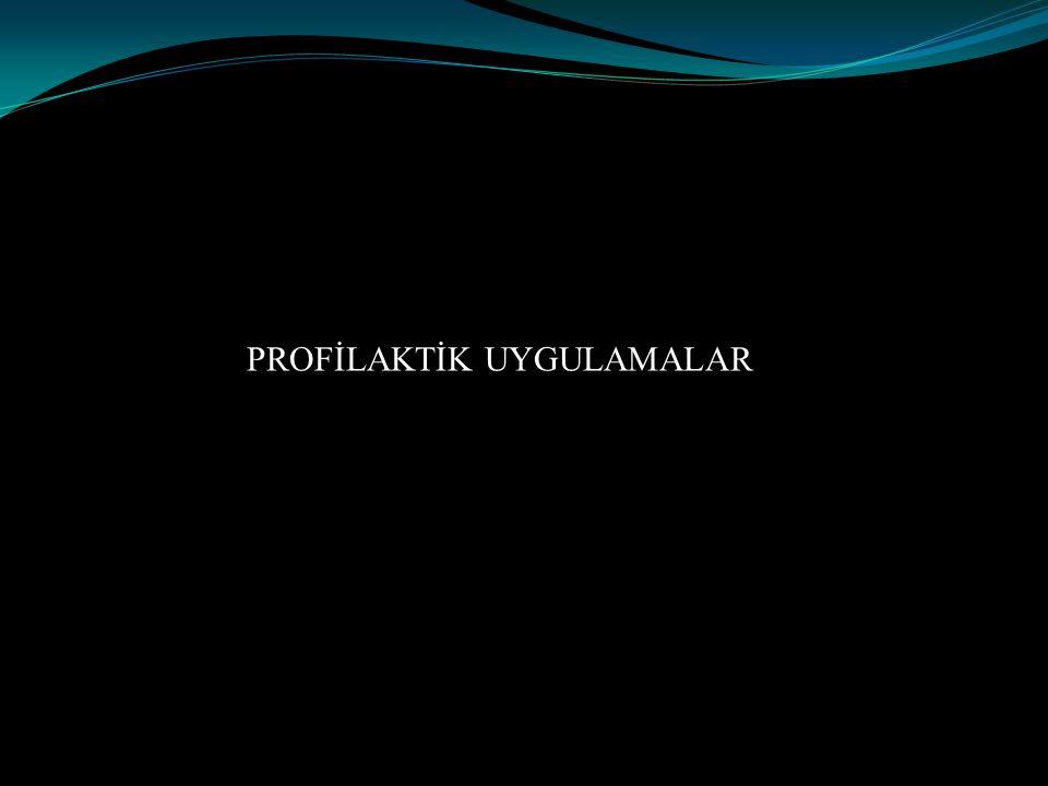 Endokardit Profilaksisi Gerekli Hastalar Kalp kapağı protezi taşıyan hastalar, Geçirilmiş endokardit hikayesi olanlar, Konjenital kalp hastalıkları, Kardiyak kapak patolojisi gelişen kalp transplantasyonu yapılmış hastalar