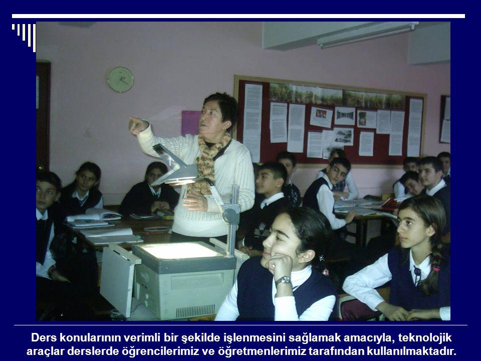 Ders konularının verimli bir şekilde işlenmesini sağlamak amacıyla, teknolojik araçlar derslerde öğrencilerimiz ve öğretmenlerimiz tarafından kullanılmaktadır.