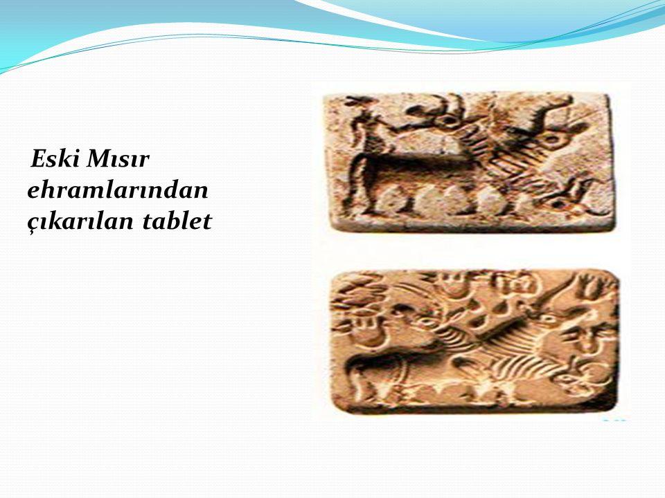 Eski Mısır ehramlarından birinde çıkan bu tablet ilkel insanların ruh tasarımını belirtmektedir.