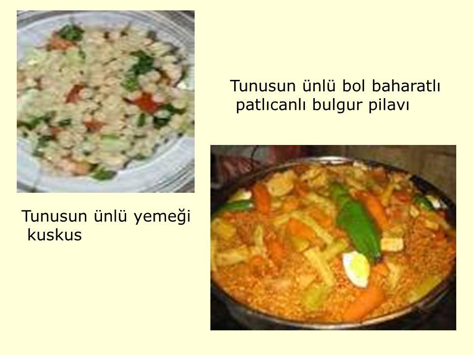 Tunusun ünlü yemeği kuskus Tunusun ünlü bol baharatlı patlıcanlı bulgur pilavı