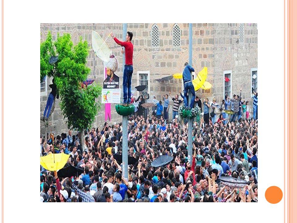 İstiklal Savaşı sırasında Ankara'da en görkemli Nevruz kutlaması Büyük Taarruz'a hazırlık yapıldığı günlerde 22 Mart 1922 tarihinde yapıldı Ahmet Emin Yalman, Ankara'daki Nevruz kutlamalarını şu cümlelerle anlatmaktadır: Ankaralılar, geleneksel Nevruz şenliklerine her yıl büyük coşku ile katılır, baharın gelişini sevinçle karşılardı.