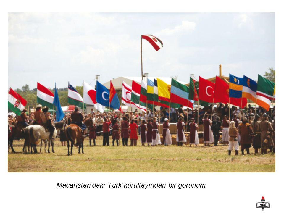 10 Bilgi Hazinesi MACARİSTAN'DA TURK KURULTAYI Eski Macar ve Hun Türk kavimlerini birbirlerine yakınlaştırmak amacıyla 2008'den bu yana düzenlenen Türk Kurultayı'nın bu yılki ayağı birbirinden renkli görüntülere sahne oldu.