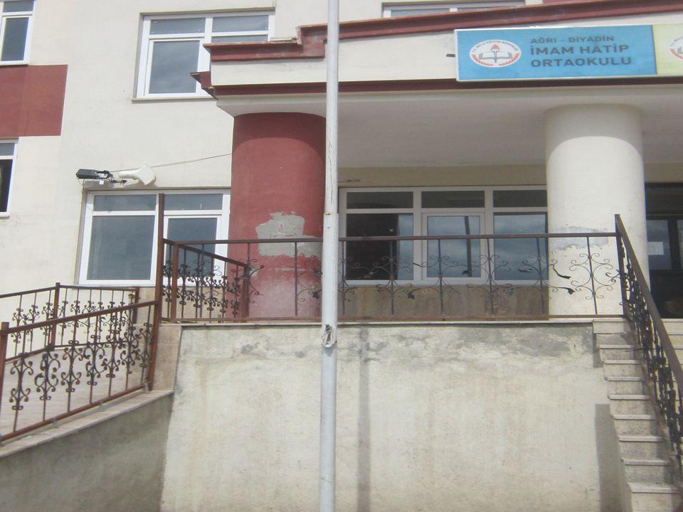Diyadin İmam Hatip Lisesi 2012-2013 Eğitim Öğretim yılında toplamda 4 sınıf ve 146 dokuzuncu sınıf öğrencisi ile eğitim ve öğretime başlamıştır.