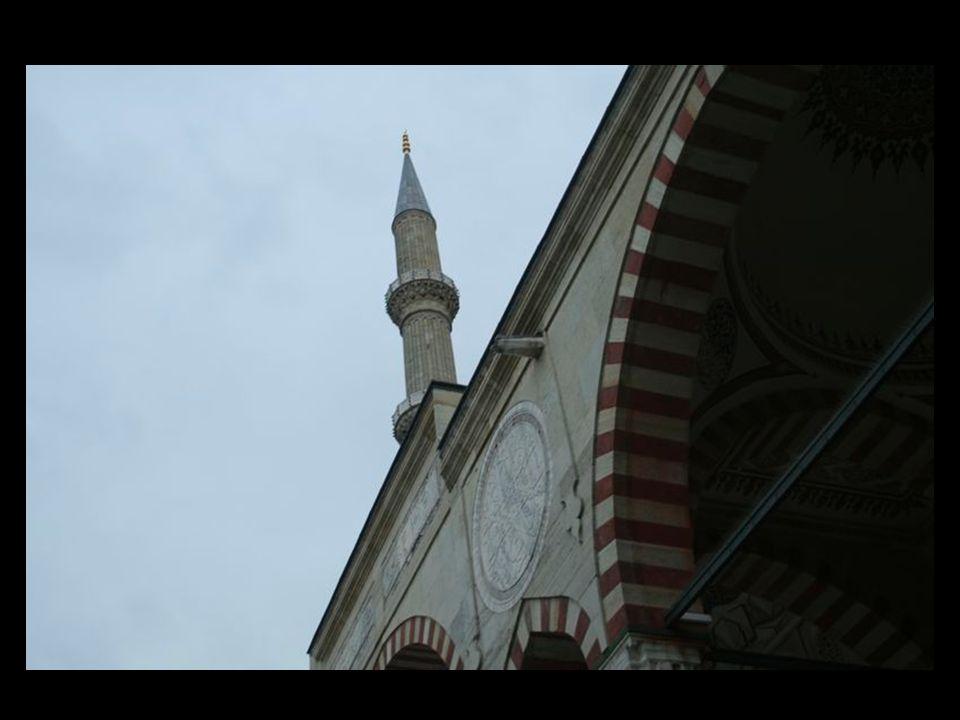 """> Osmanlı padişahı ikinci Selim (1524-1574) adına Türk mimarisinin ölümsüz dehası Mimar Sinan tarafından altı yılda bitirilen ve kendisinin """"ustalık e"""