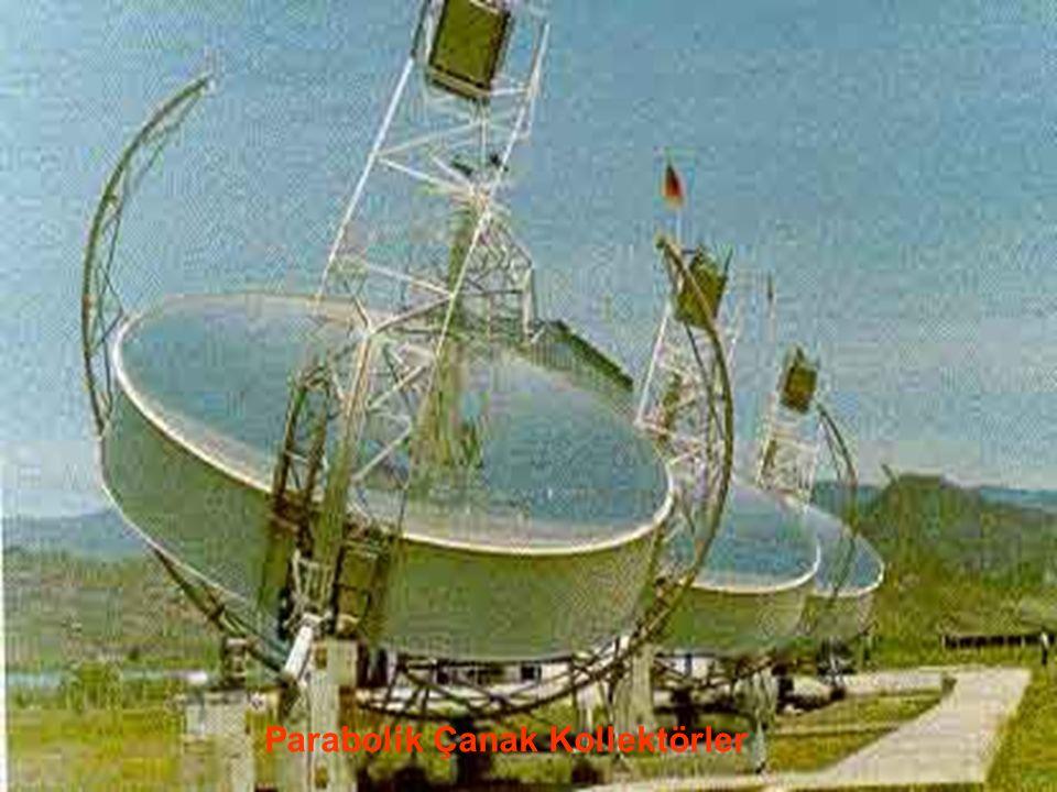 www.slaytyerim.com Noktasal Yoğunlaştırıcılar İki boyutta güneşi izleyip noktasal yoğunlaştırma yapan ve daha yüksek sıcaklıklara ulaşan bu tür sistemler, parabolik çanak ve merkezi alıcı olmak üzere iki gruba ayrılır.
