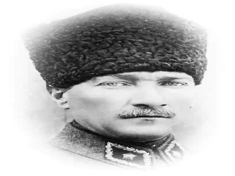 Ve başladı Kurtuluş Savaşı.Sen Mustafa Kemal Gür sesinle haykırıyorsun: Ya istiklâl ya ölüm.