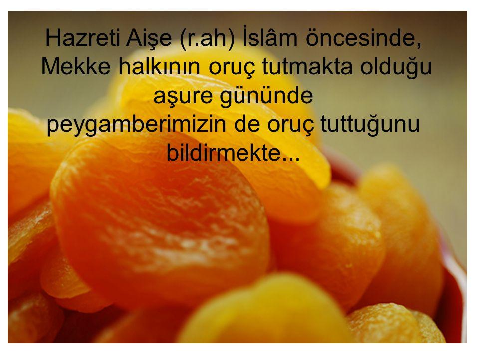 Allah Rasulü Medine'ye hicret ettikten sonra da bu orucu tutmuş ve müminlere de onuncu günü ile birlikte, bir gün öncesi veya sonrası ile oruçlu olmalarını tavsiye etmiş...