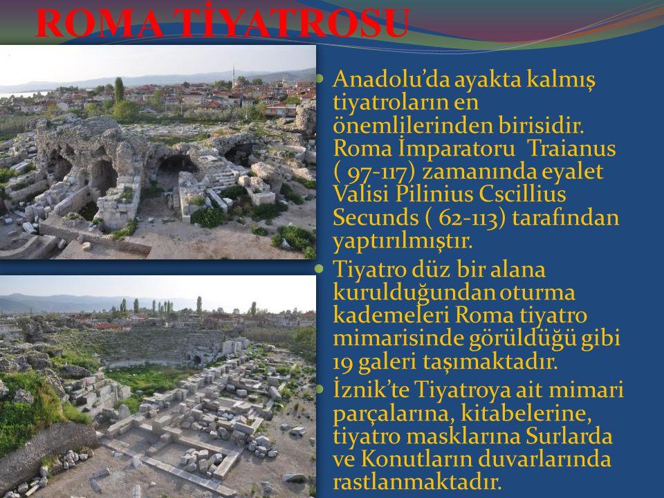 ROMA TİYATROSU Anadolu'da ayakta kalmış tiyatroların en önemlilerinden birisidir. Roma İmparatoru Traianus ( 97-117) zamanında eyalet Valisi Pilinius