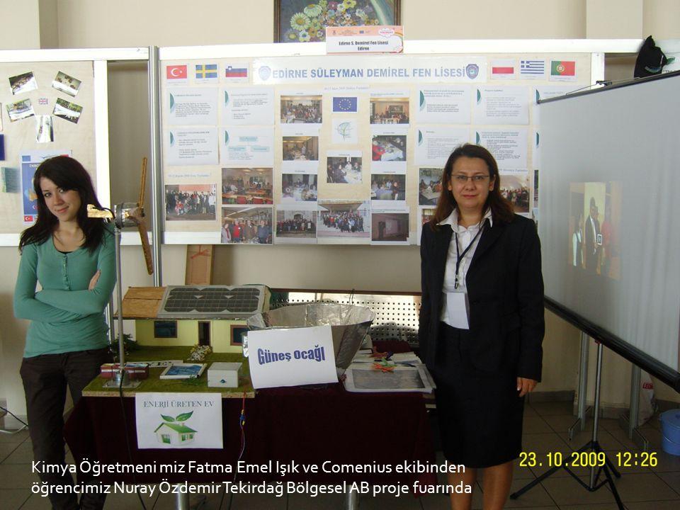 Kimya Öğretmeni miz Fatma Emel Işık ve Comenius ekibinden öğrencimiz Nuray Özdemir Tekirdağ Bölgesel AB proje fuarında