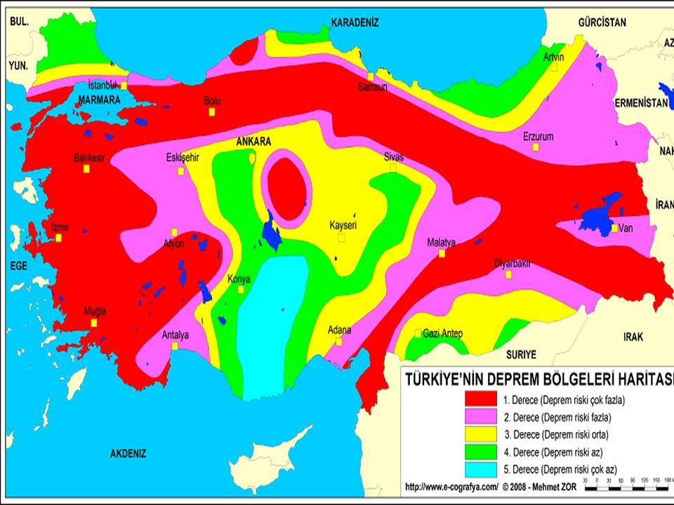 6- Çığ Eğimli arazi üzerine birikmiş kar örtüsü yer çekimi etkisiyle kaydığında çığ oluşur.Çığın oluşumu,arazi,hava ve kar örtüsünün durumu ile ilişkilidir.Ayrıca depremler ve insanlar da çığ oluşumunda etkili olmaktadır.Çığ, genellikle bitki örtüsü olmayan,dağınık ve eğimli arazilerde görülür.Vadiler boyunca kurulan yerleşimlerde özellikle çığ riski fazladır.Dünyada özellikle dağlık kesimlerde normalin çok üzerinde düşen kar yağışları ve orman örtüsünün de ortadan kaldırılmasının etkisiyle çığ olaylarında artma görülmektedir.