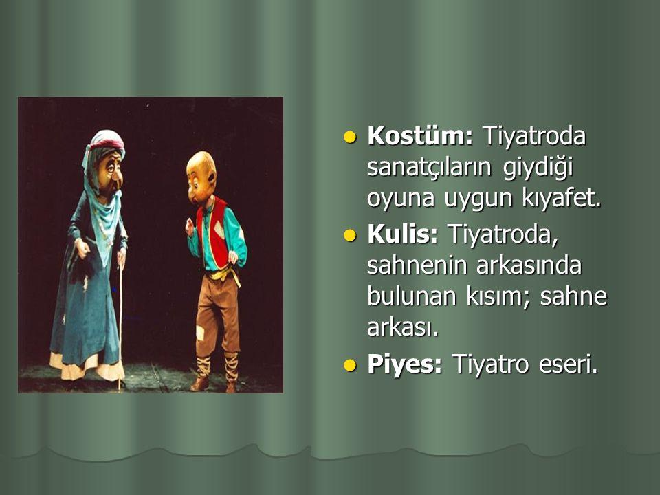 Koro: Eski Yunan tiyatrosunda bir grup erkek ve kadından kurulu şarkıcılar topluluğu. Oynanan eserin konusuna da katılırlar ve eserdeki olaya karşı, t