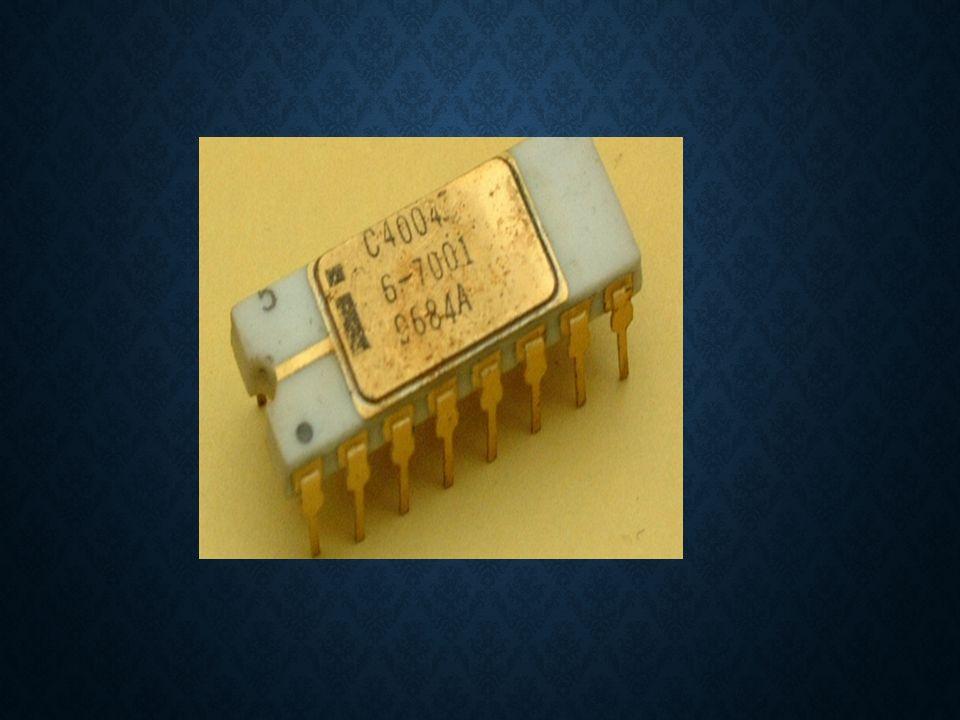 8086/8088 Intel, 16 bitlik 8086 i ş lemcisini 1978 yılında piyasaya sürdü.