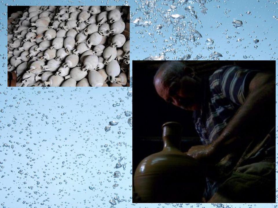 Eskiden kullanılan su kabı, genellikle bakırdan yapılıp kalaylanmış olarak kullanılır.